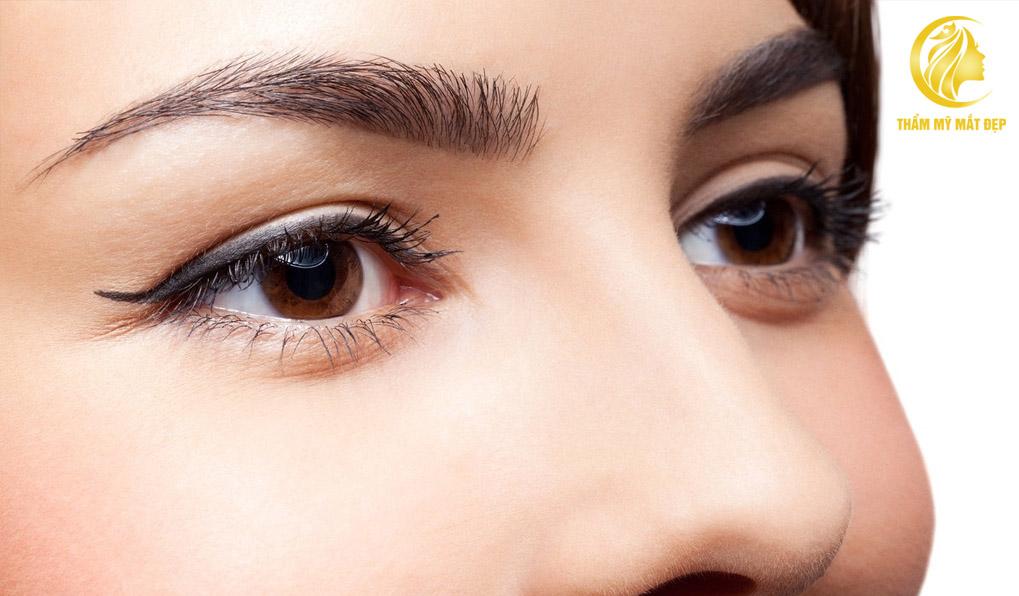 Chăm sóc mắt sau nâng cung mày